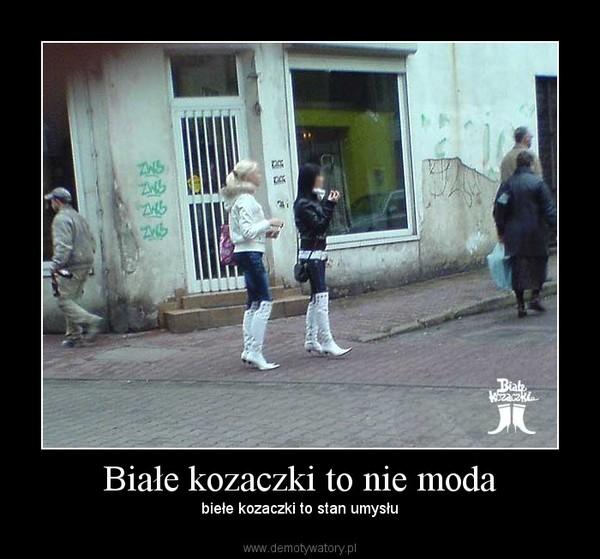 Białe kozaczki. – Demotywatory.pl