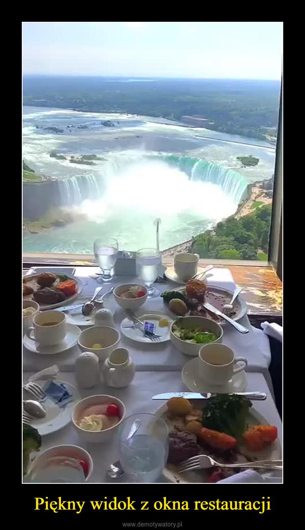 Piękny widok z okna restauracji –