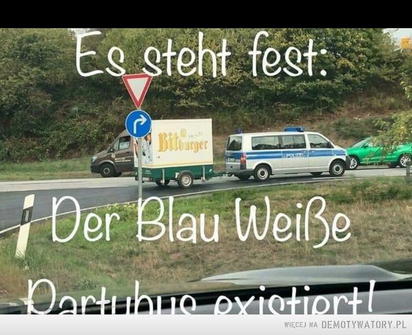Biało-niebieski wóz imprezowy naprawdę istnieje –
